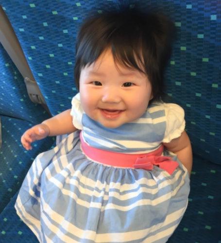 新幹線の自由席に子供を座らせるのはマナー違反ですか?